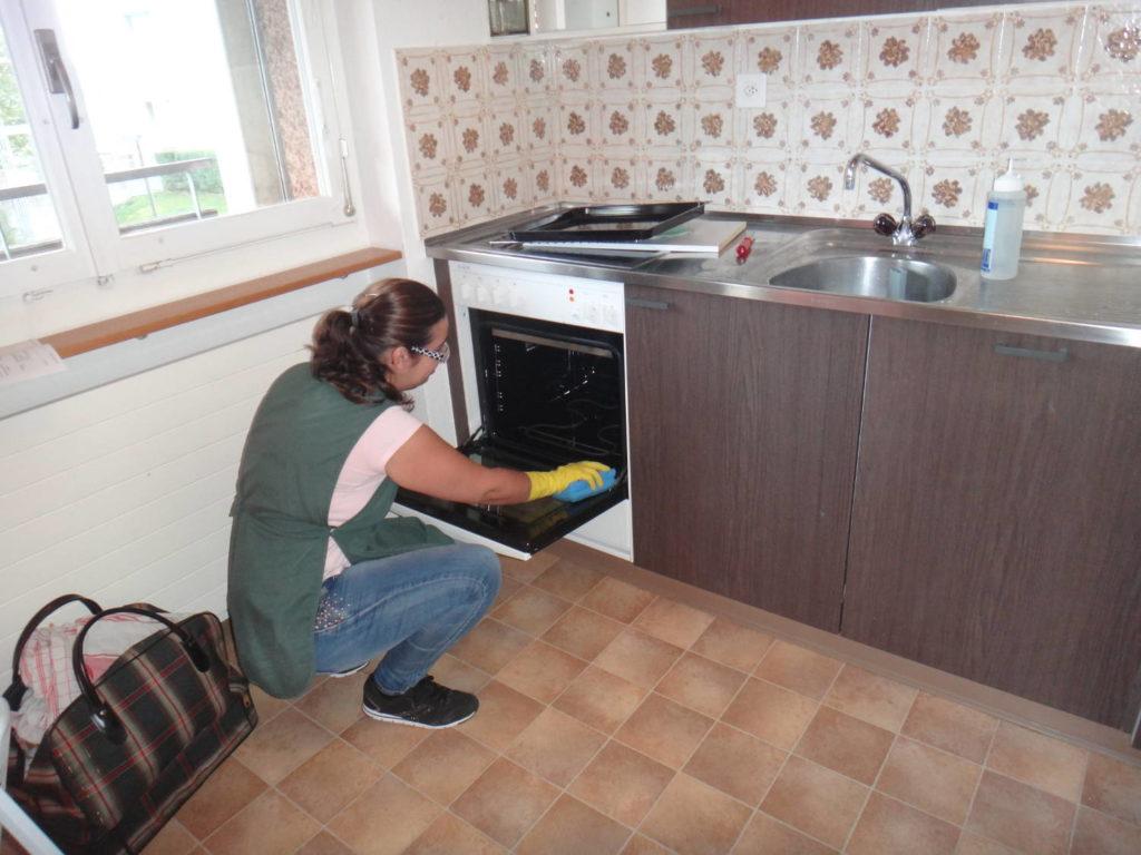 Grundreinigung, Unterhaltsreinigung, Wohnungsreinigung, Gebäudereinigung, Fensterreinigung, Frühlingsputz, Umzug, Haushaltshilfe, Teppichreinigung, Umzugsreinigung, Reinigungsfirma, Reinigungsfirmen, Umzuege, Wohnungsreinigung, Umzugsreinigungen